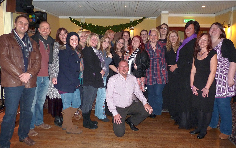 The Plymouth Military Wives with Martyn Strange at the Babbcombe Inn