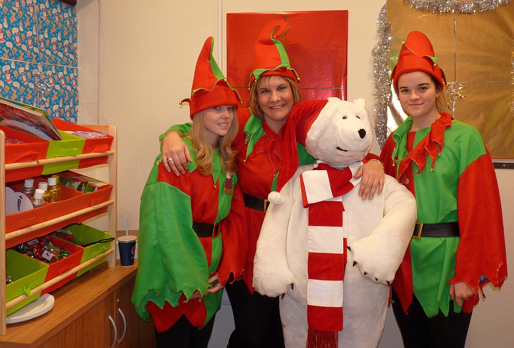 Babbacombe Cliff Railway elves - and a polar bear!